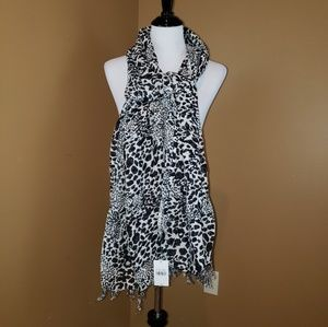 NWT Large blk/white 50/50 rayon linen